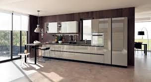cuisine beige laqué design interieur aménagement cuisine moderne mobilier laqué beige
