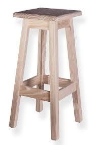 taburetes de pino taburete de pino cuadrado alto aranaz 13089 banquetas y