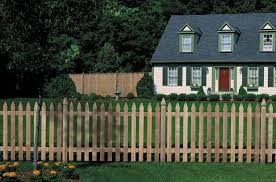 cloture jardin bois installer une clôture en bois pratique fr