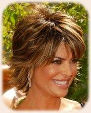 lisa rinnas hairdresser lisa rinna s hair always looks cute lisa rinna hairstyle