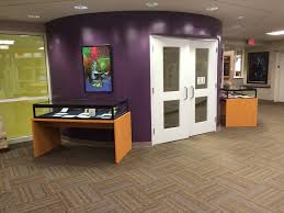 Purple Accent Wall by 10 O U0027clock List Excessively Purple Accent Walls In The Library