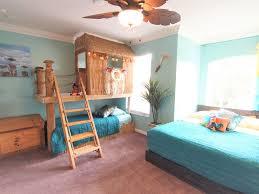 2 floor bed 4 king beds plus harry potter theater star vrbo