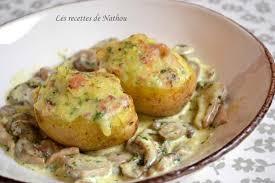 recette cuisine pomme de terre recette pommes de terre farcies au lard et reblochon chignons