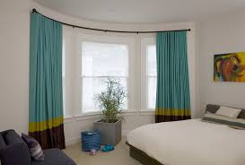 Putting Up Blinds In Window How To Put Up Curtain Pole Bay Window Nrtradiant Com