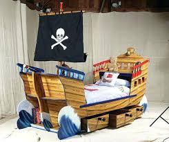 deco chambre pirate chambre pirate garcon top 70 des lits insolites au design original