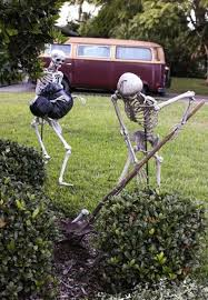 Scary Halloween Decorations Ideas Yards by How To Decorate Your Yard For Halloween Halloween Holiday Bloody