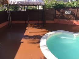 plage de piscine peinture sol antidérapante pour plage de piscine artisan en