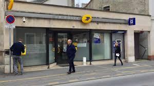 bureau de poste 17 fermeture du bureau de poste jean jaurès à reims grosse colère