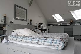 chambre sous combles couleurs chambre sous combles couleurs beautiful chambre sous comble moderne