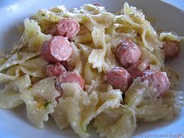 cuisiner des saucisses mijoté de pâtes saucisses de strasbourg et mozzarella on s fait
