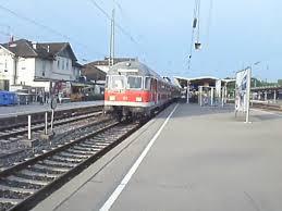 Bad Cannstatt Bahnhof Eine Regionalbahn Fährt Aus Den Bahnhof Stuttgart Hauptbahnhof
