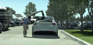 butterfly doors butterfly doors tesla u0026 the falcon wing doors on the telsa model x