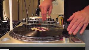 dj table for beginners dj ing for beginners basic beat mixing using vinyl records on