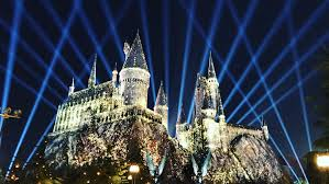 nighttime lights at hogwarts nighttime lights will dazzle at wizarding world of harry potter