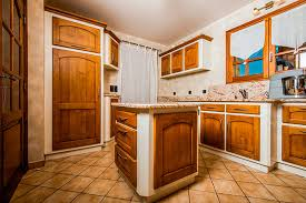 vernis cuisine 01 cuisine en chene facades en chene teinte patine et vernis