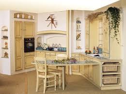 cuisine jaune et verte décor de jaune cuisine armoires