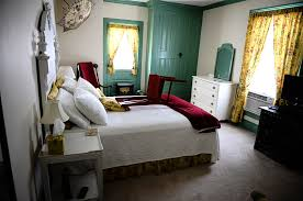 Elk Forge Bed And Breakfast Contact Us Red Chair Travels