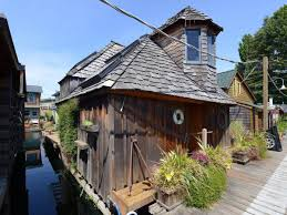 the hobbit houseboat small house bliss
