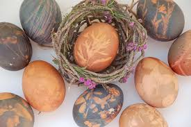 Natural Easter Decorations by Dye Easter Eggs With Natural Dye Hgtv