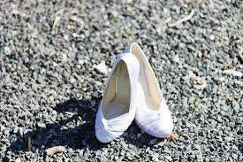 wedding shoes christchurch weddings at the vicarage christchurch tp photography