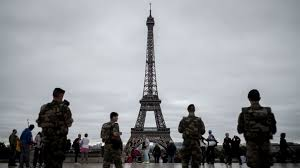 Paris To Erect Bulletproof Wall Around Eiffel Tower France 24