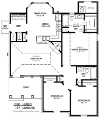 Master Bedroom Bath Floor Plans by Traditional Style House Plan 3 Beds 2 00 Baths 1240 Sq Ft Plan