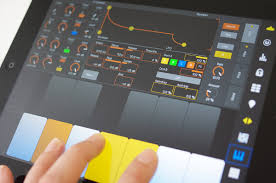 touchable 3 controls ableton via wire mimics live devices on ipad