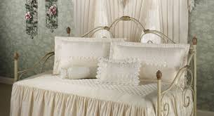 daybed awesome daybed decor raya daybed admirable decorative
