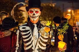Dia De Los Muertos Costumes Man In Skeleton Costume Black Suit And Hat Dia De Los Muertos