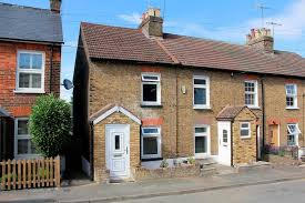 property for sale cottage station 1st floor bathroom in boxmoor