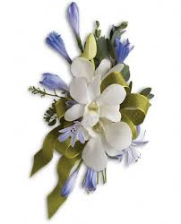 corsage flowers look your best with a corsage or boutonniere