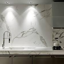 plan de travail cuisine blanc plan de travail en marbre de cuisine blanc dekton aura 15