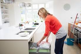 cleaning kitchen how to clean kitchen bins keep calm get organised