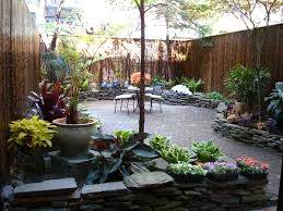 Small Backyard Pictures by Landscape Ideas For Small Backyards Townhouse Backyard Space