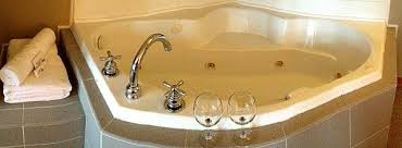 Jacuzzi Bathtubs For Two Ohio Tub Suites In Room Hotel Whirlpool Tubs For Honeymoons
