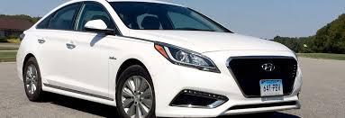 hyundai sonata consumer reviews 2016 hyundai sonata hybrid proves slick and efficient consumer