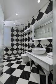 desain kamar mandi warna hitam putih dinding kamar mandi wallpaper hitam putih rumah masa kini rumah