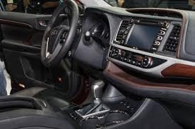 reviews toyota highlander 2015 2015 toyota highlander hybrid review and specs