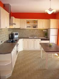exemple de cuisine repeinte peindre sa cuisine en cool peinture pour carrelage mural