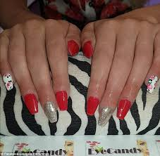 manchester woman horrified by her u0027round nails u0027 manicure daily