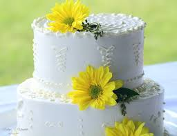 wedding wednesday the only way to decorate a cake kelley
