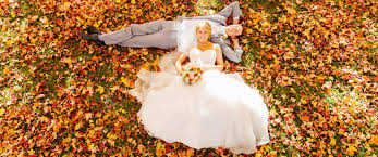 fall themed wedding cover story entertainment shares guide to autumn wedding themes