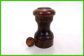 peugeot cuisine moulin à muscade vintage tout en bois de marque peugeot made dans