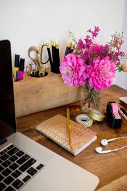 best 25 chic cubicle decor ideas on pinterest chic desk gold