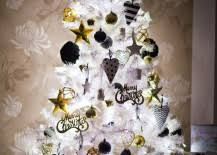 White Christmas Party Decoration Ideas by 20 Chic Holiday Decorating Ideas With A Black Gold And White