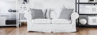 sofa im landhausstil wohnzimmer mit sofa im landhausstil hell und so gemütlich