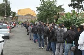 Www Vagas Vigia Curitiba Ultimas | cerca de 300 pessoas formam fila em busca de vagas de trabalho em