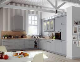 landhausküche grau romantische landhausküche mit matten grauen fronten und
