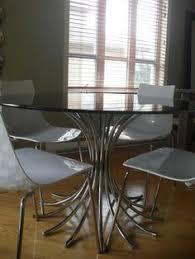 Closeup Of Olive Ash Or Olivewood Burl Veneer On John Widdicomb - Glass top dining table montreal