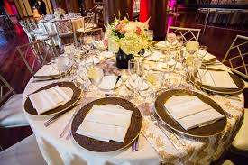 Table Runners For Round Tables Wedding Table Runners U2013 Table Setting Ideas For A Very Special Day